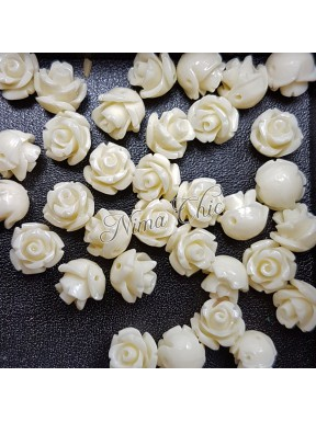 5pz ROSE in resina 8/10mm con foro passante  - white