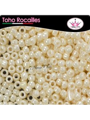 10 gr TOHO ROCAILLES 8/0 opaque  lt. beige